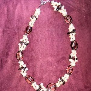 Jewelry - Pink Pearl and bead necklace